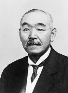 Kantaro Suzuki (1867-1948) : Militar japonés y primer ministro durante la primavera y verano de 1945. (imagen 03).